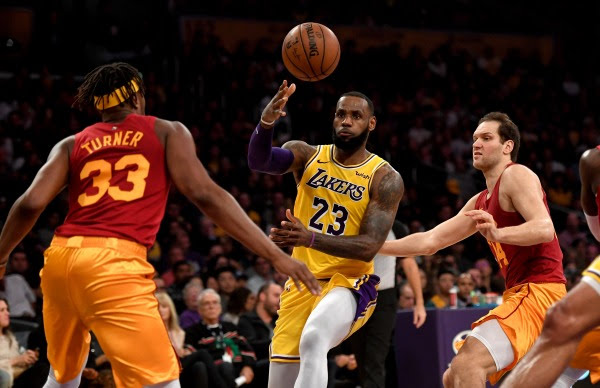 LDN-L-LAKERS-PACERS-014-11301.jpg?w=600